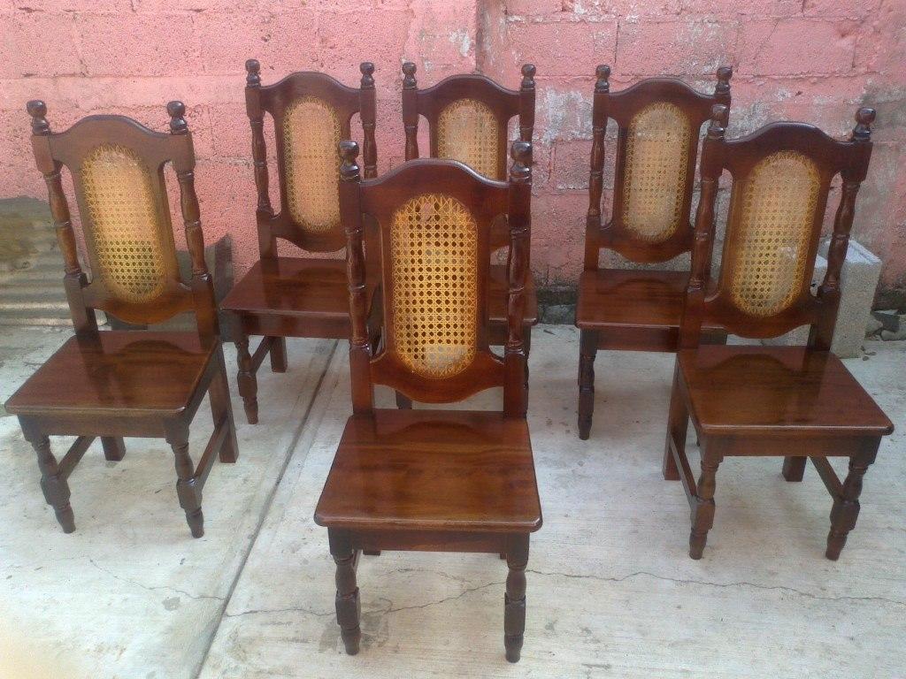 Sillas para comedor en madera de cedro labradas y for Modelos de sillas de madera para comedor