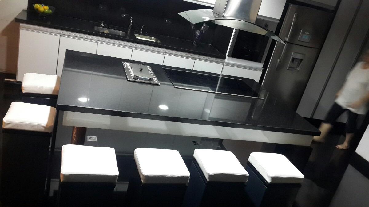 Sillas para islas o barras en cocina dise o minimalista for Sillas barra cocina
