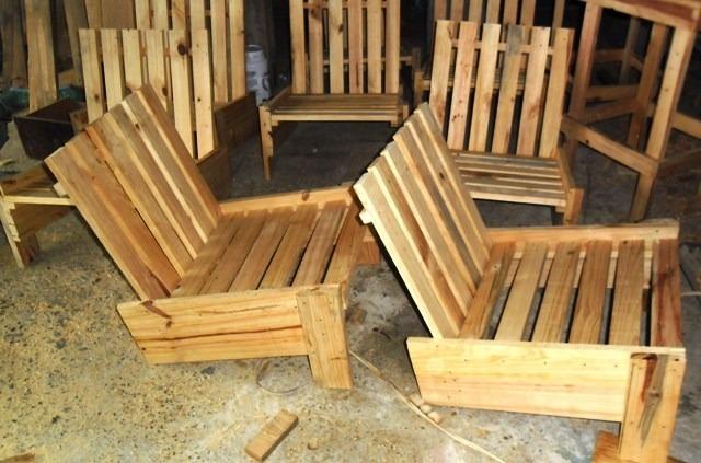sillas para jardin y de picnic en madera de paletas
