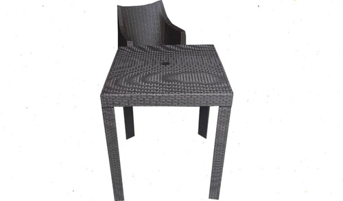 sillas plasticas tipo rattan (juego con mesa)