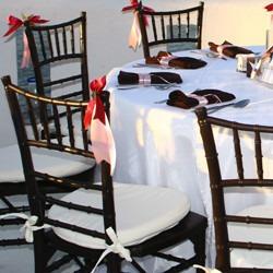 sillas tifanny estructura metálica tapizadas en cuerina