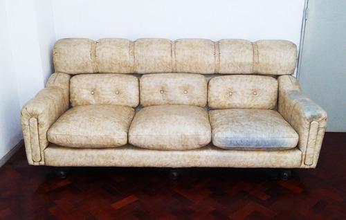 sillón cuero cuerpos