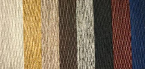 sillón de diseño curvo con tapizado moderno