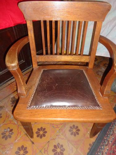 sillon de escritorio clasico de cedro tapizado en cuero