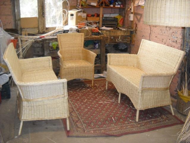 Sillones mimbre muebles mimbre para terrazas pequeas for Sillones de rattan baratos