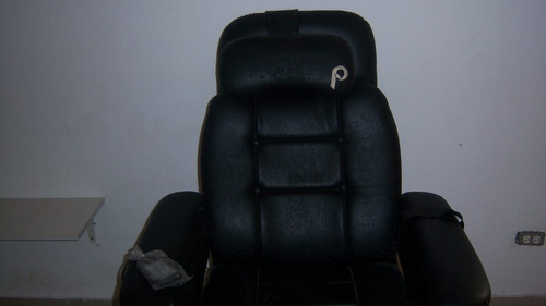 sillón masajeador y pedicuri