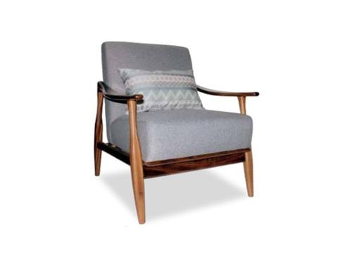 sillón moderno de madera parota
