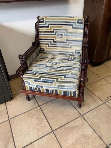 sillon sofa butaca antigua de urgelles en fina madera