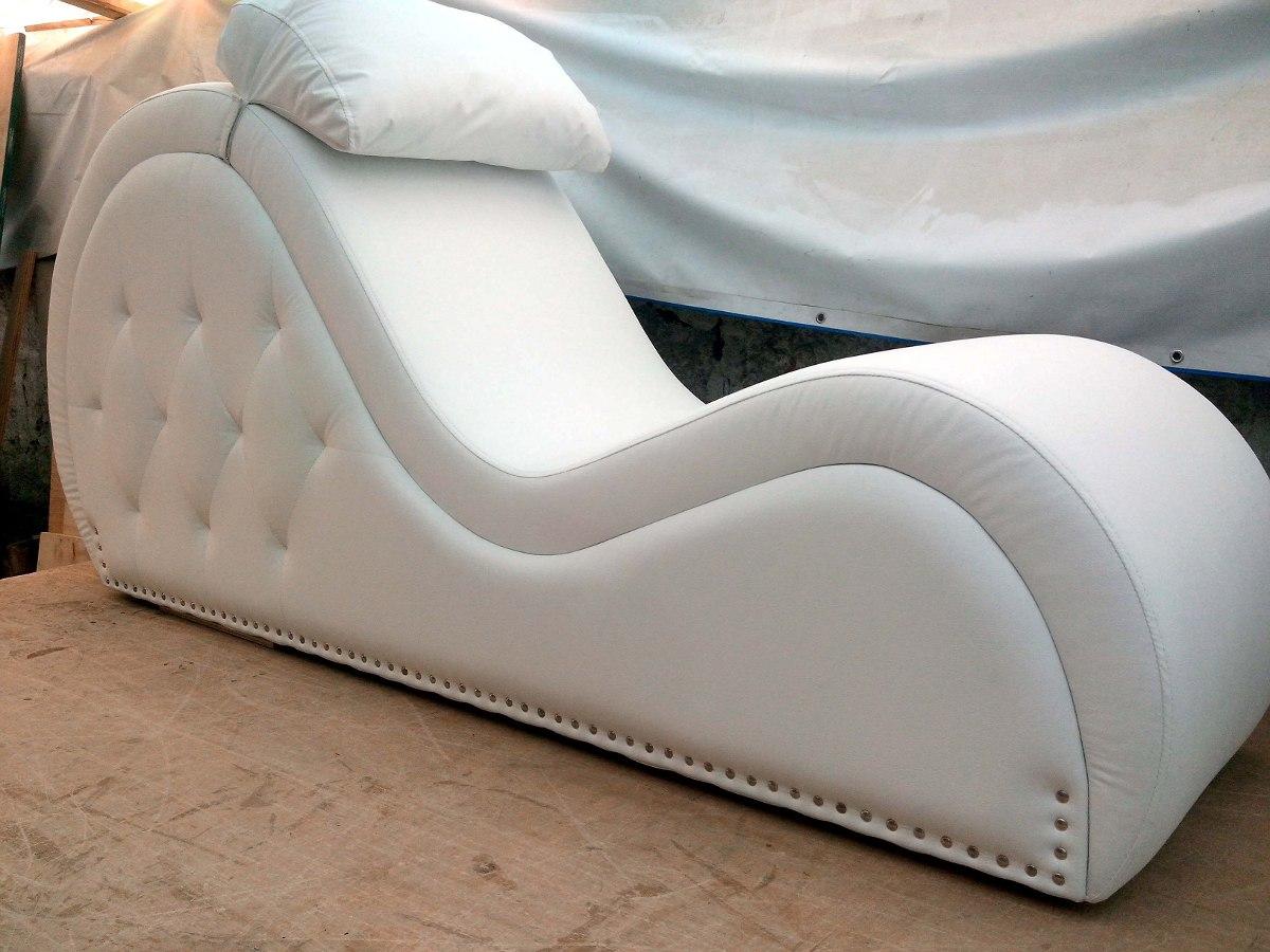 Que gracia tienen las sillas del amor elantro for El mundo del mueble sillones