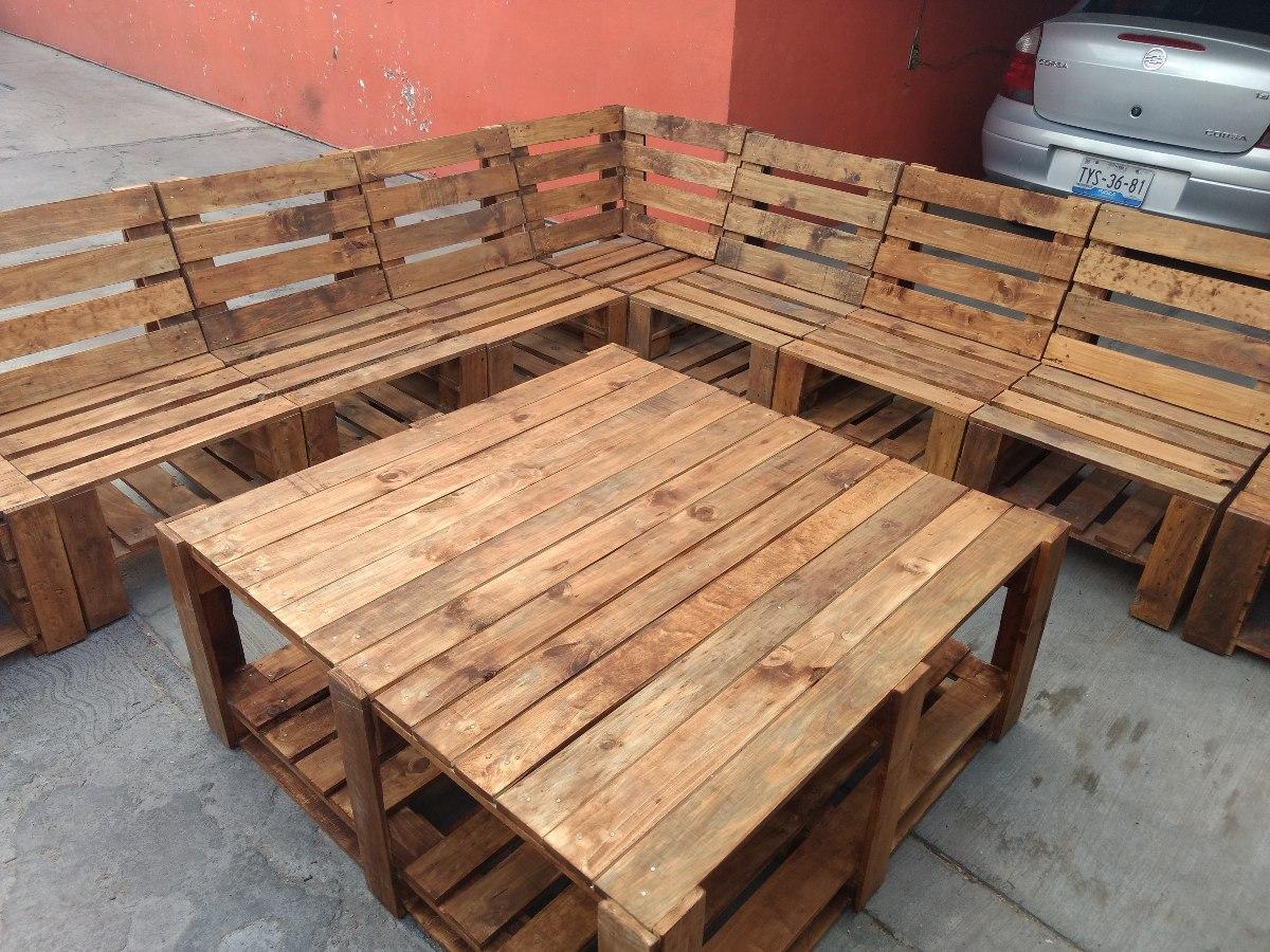 Sillon tipo pallet sala modular mueble de tarima for Sillones hechos con tarimas