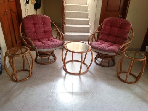 sillones de bambu con sus mesas