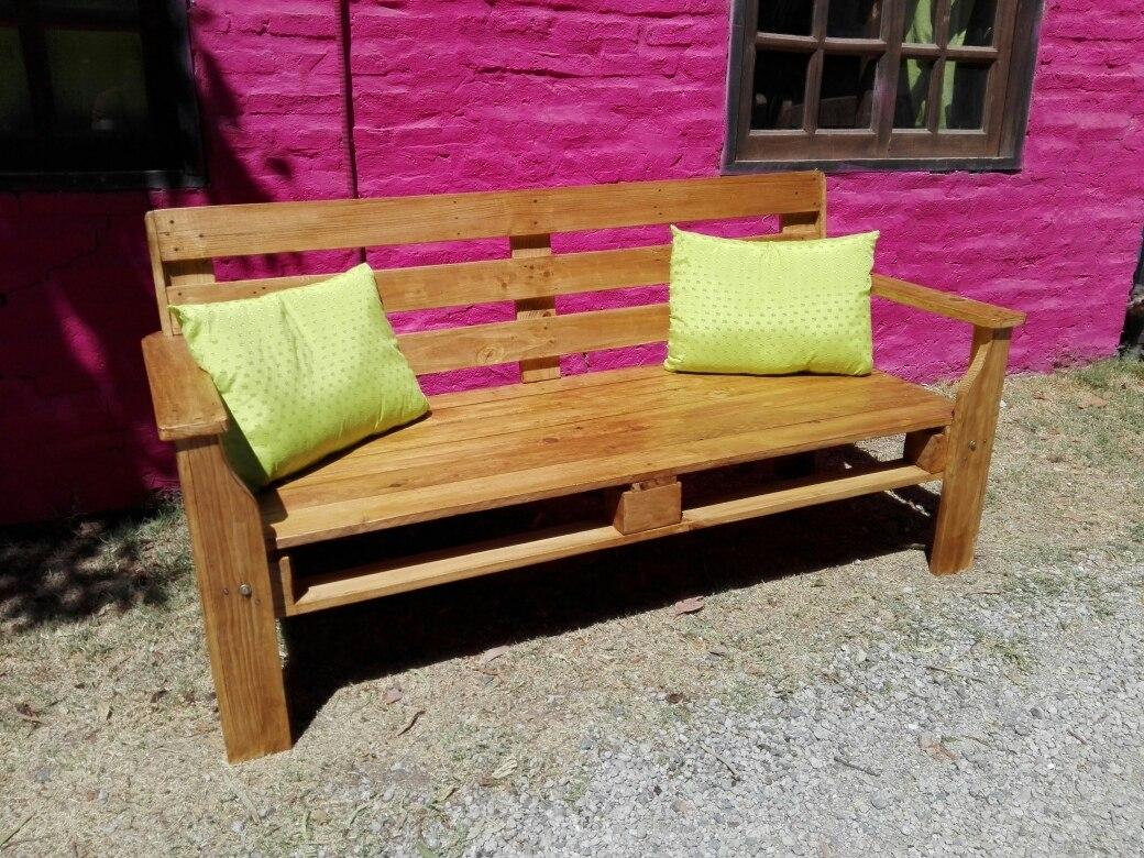 Sillones hechos con palets perfect muebles con palets - Sillones con palets reciclados ...