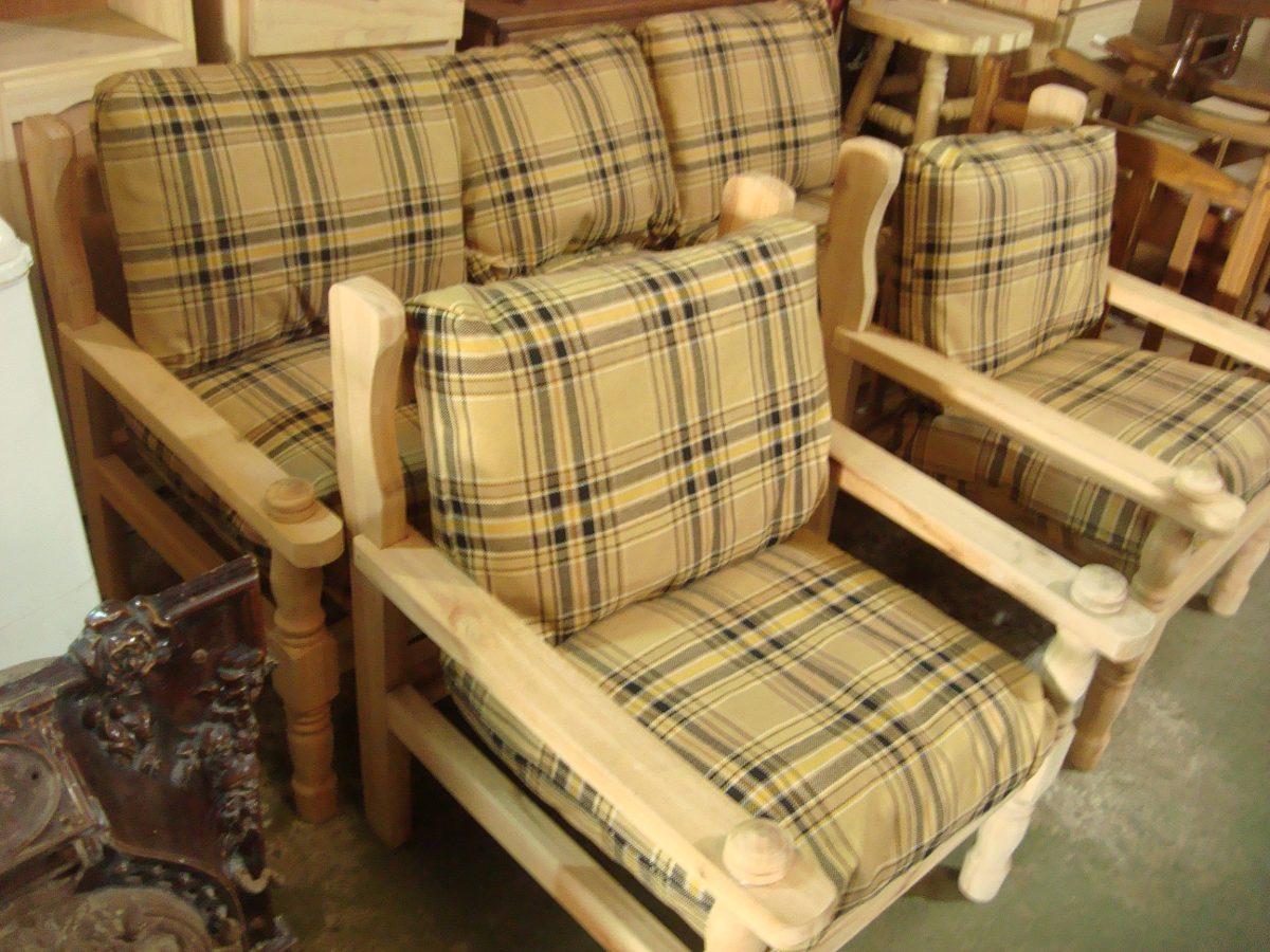 Sillones r sticos de madera tapizados escozes for Sillones de jardin de madera