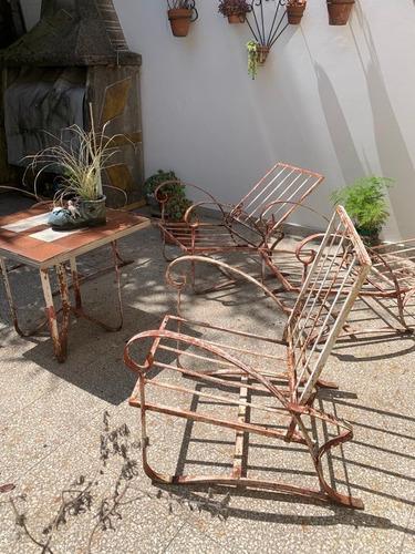 sillones  y mesa de hierro para patio