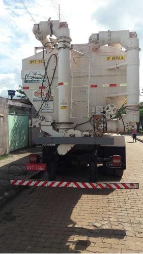 silo graneleiro de ração triel-ht com sistema de recolha