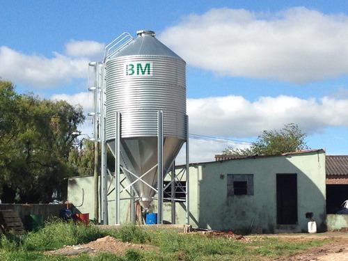 silo para ración  con comedero automático para ganado