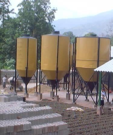 silos (6) para amacenar cemento