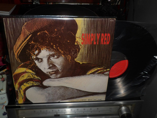 simply red - pcture book  - muito novo