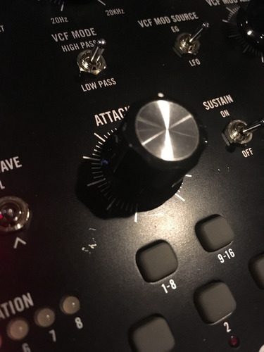 sintetizador análogo moog mother 32 roland novation midi