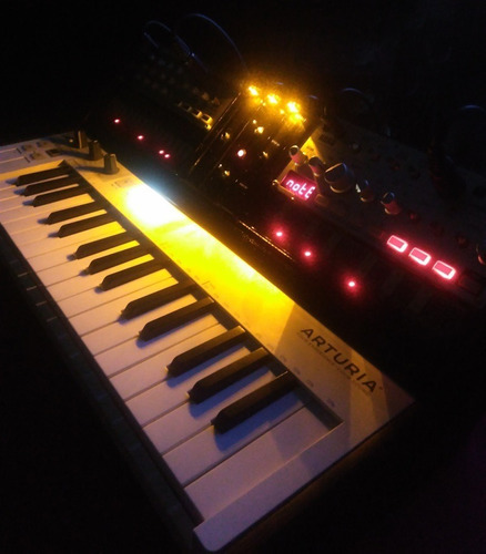 sintetizador korg volca keys + bass controller by keystep.
