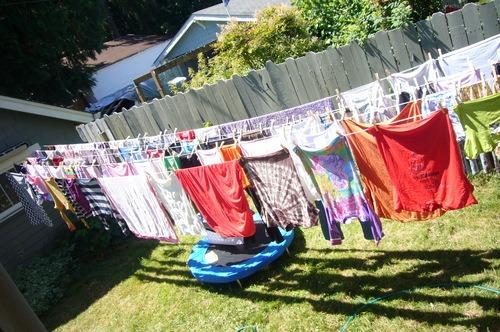 Sistema de tendedero con 5 lineas retractable de secado for Tendederos de ropa exteriores ikea