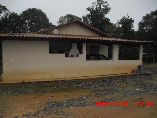 sitio 25 alq. (2 casas e estufa)