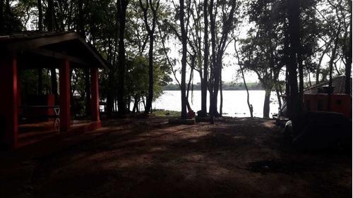 sítio as margens do rio tietê