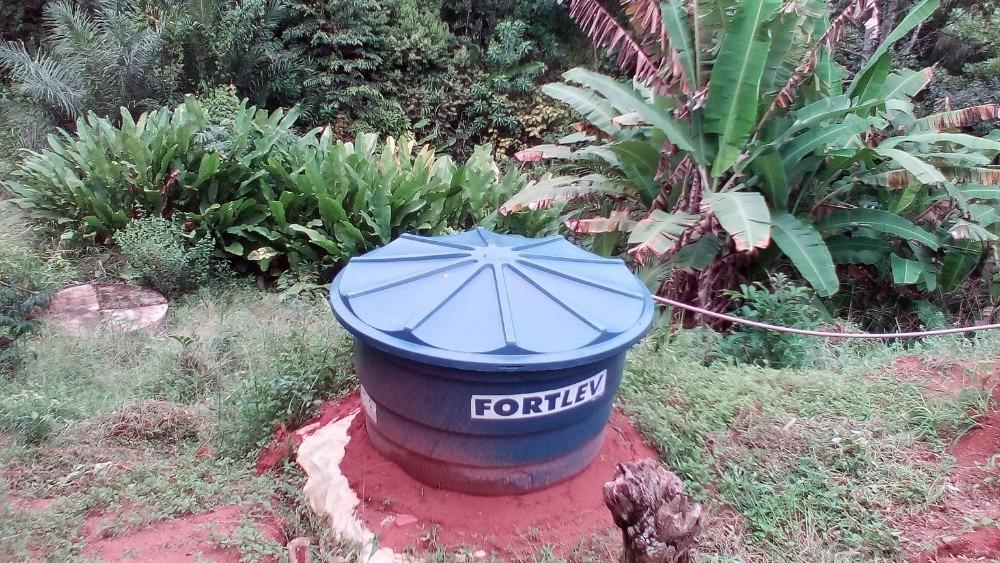 sitio autossustentável - fontes de agua e energia solar