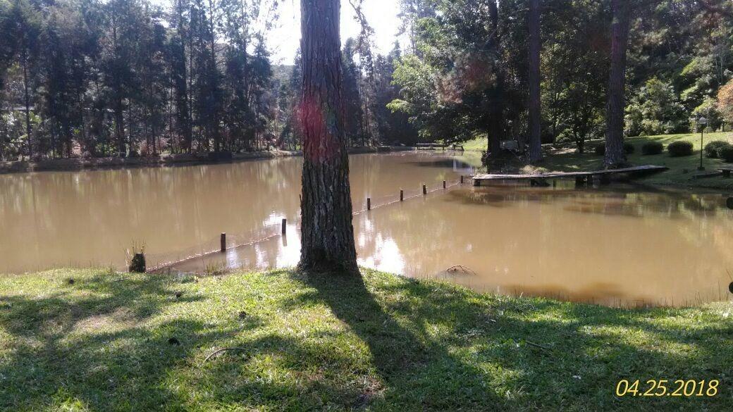 sítio bem localizado lago cheio de peixes piscina 60.000 m²