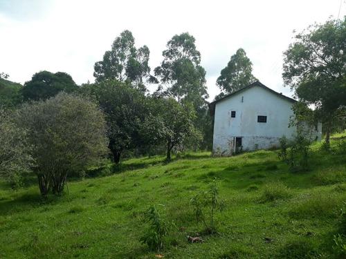 sitio com 15 ha em baependi  sul de minas , com muita água . as margens do rio gamarra e com várias nascentes. - 125