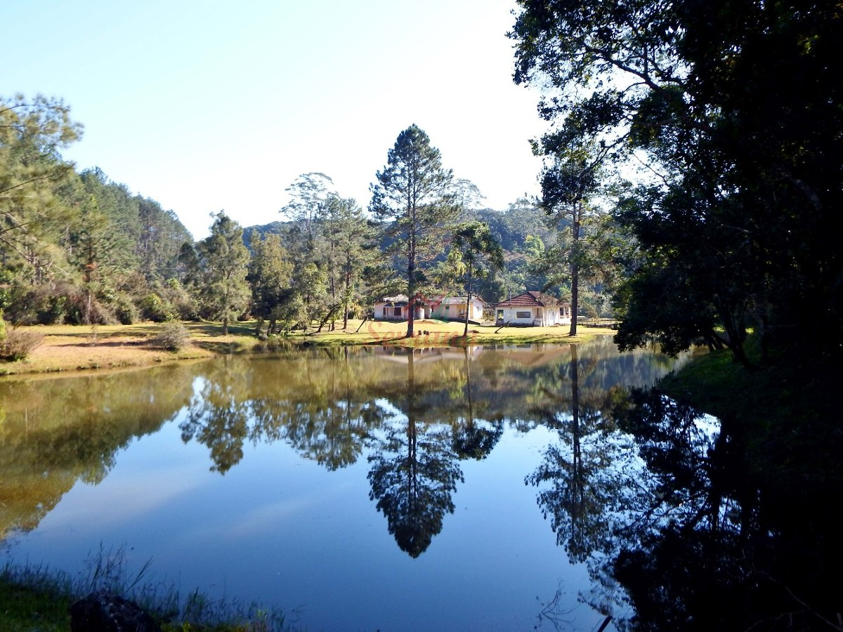 sítio com 35.097 m² 2 grandes lagos campo de futebol