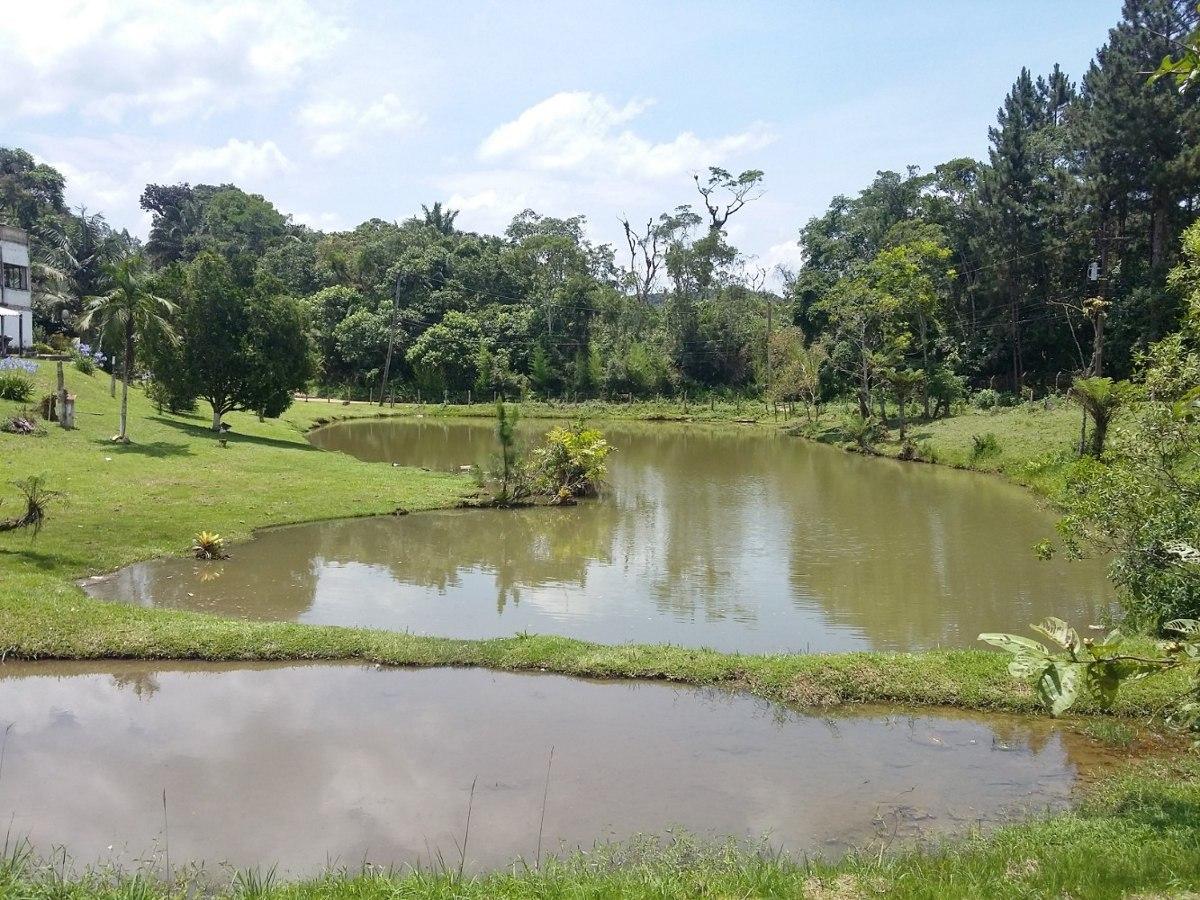 sítio com 54.000 m² 3 lagos 5 baias casa grande 6 dormitório