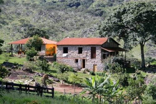 sítio com 6 dormitórios à venda, 40000 m² por r$ 675.000 - zona rural - são joão batista do glória/mg - si0002