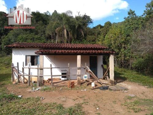 sítio com casa principal, casa de hóspedes, rico em água à venda, 48000 m² por r$ 370.000 - pedra bela/sp - si0030
