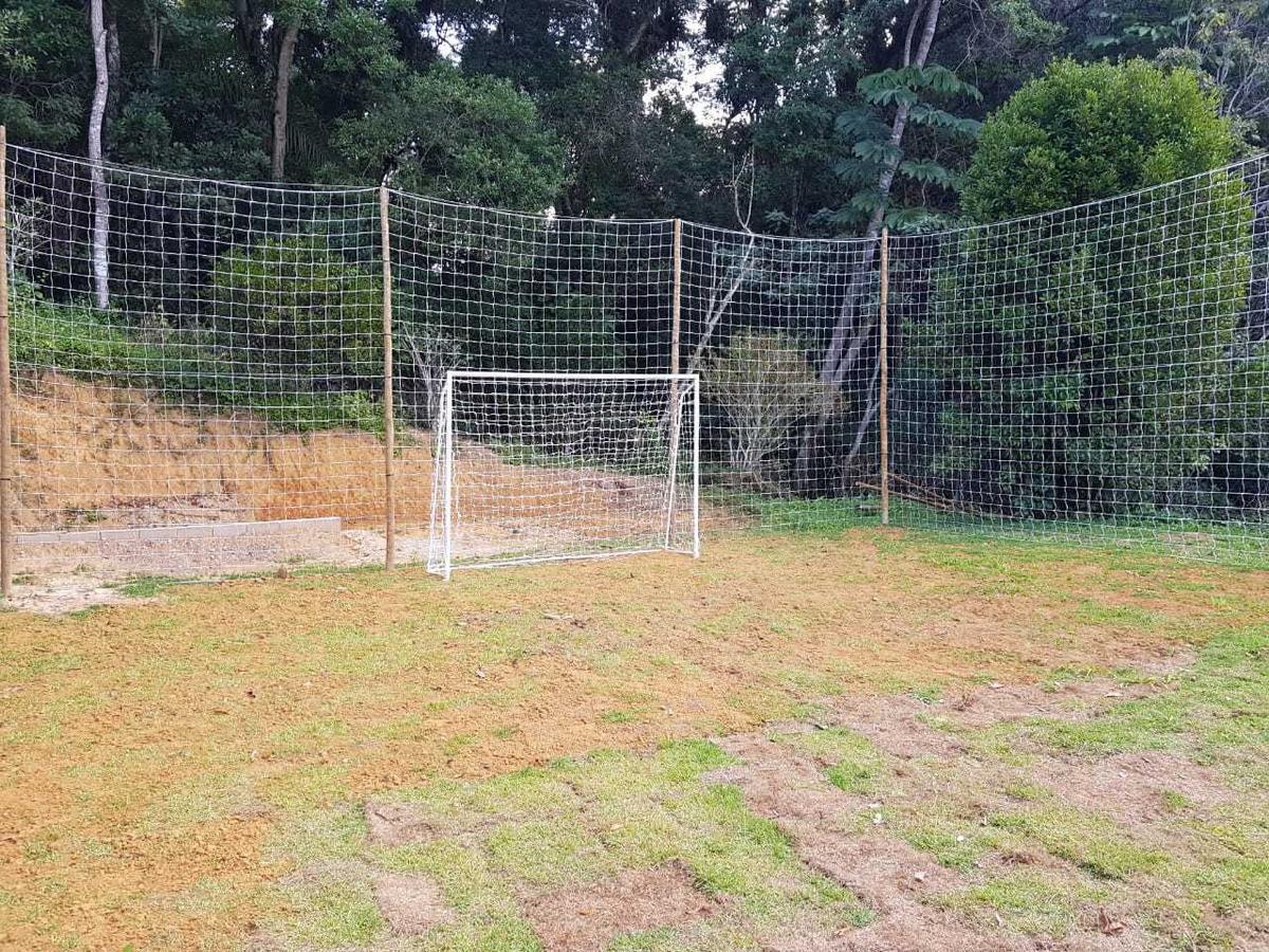 sítio com lago piscina campo de futebol ótima localização
