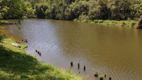 sitio com lagão repleto de peixes e  casarão 6 dorms...