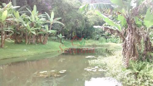 sítio de 24.200 m² grande lago e nascente de água cristalina