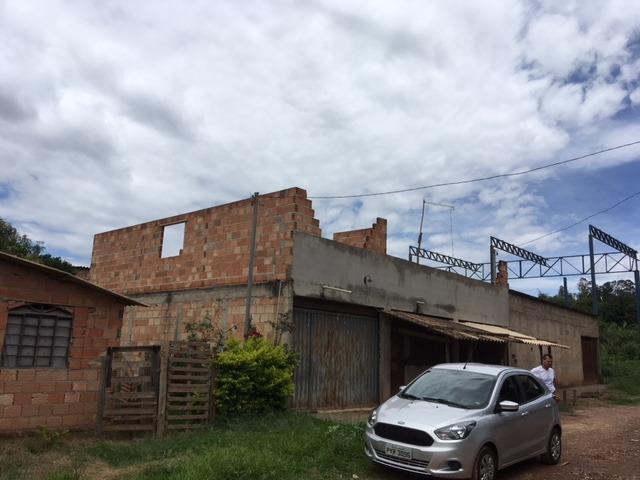 sítio de 360m com 3 casas em igarapé