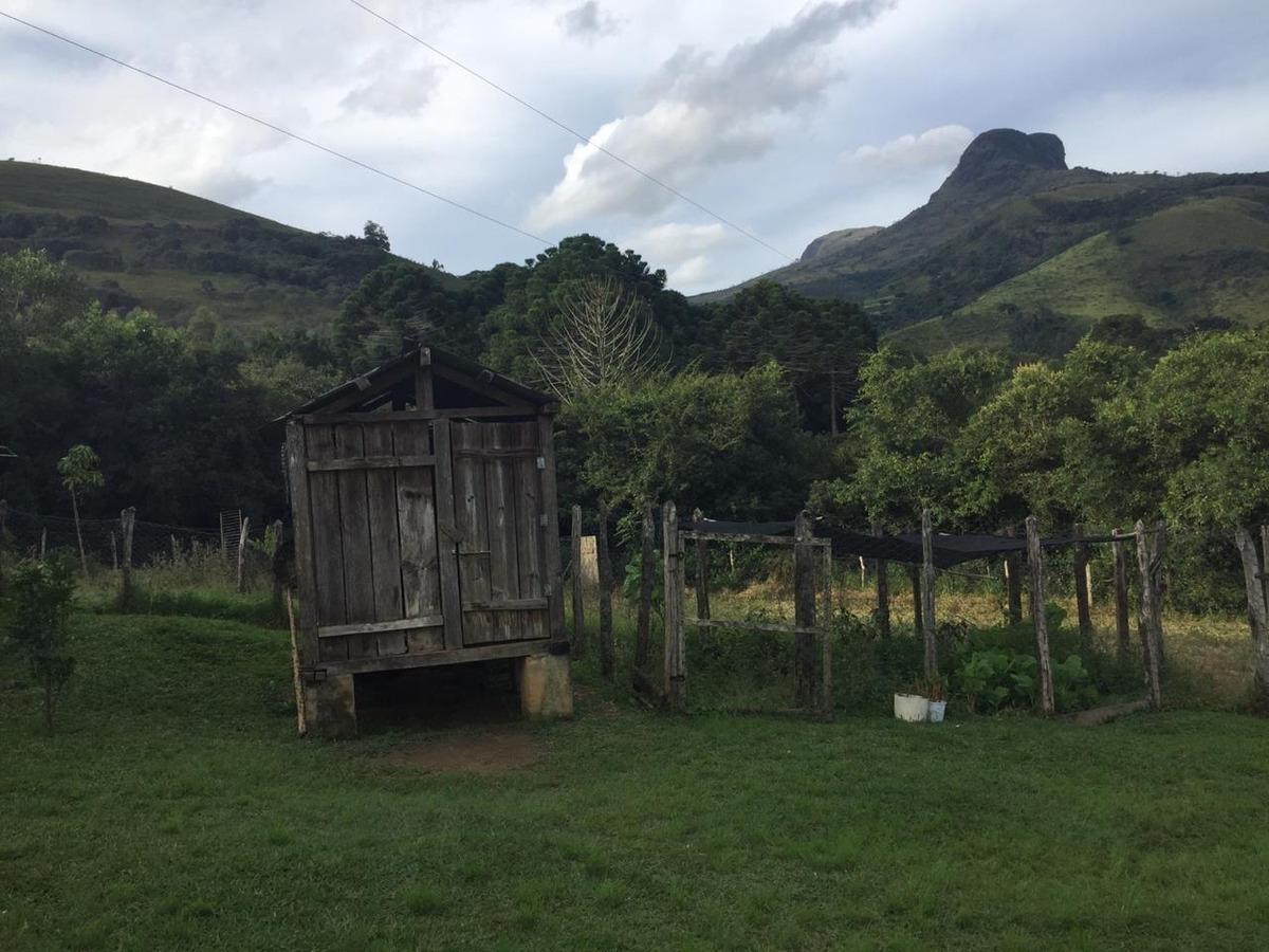 sítio de frente para serra da careta em baependi mg, com 30.000 m2 , casa boa com 02 quartos , cozinha , área gourmet. - 528