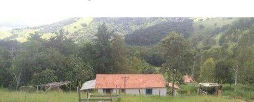 sitio em baependi com 4,5 ha em baependi sul de minas . muito bom de água , tem nascentes e um rio no fundo . - 126