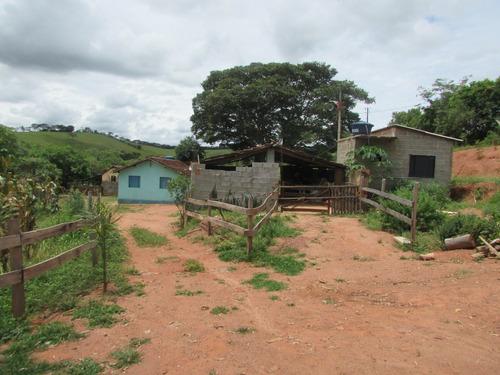 sítio em caxambu com 33.300 m2 , 02 casas - 5151