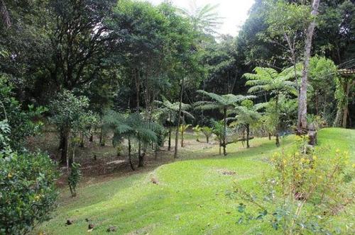 sítio em juquitiba bem localizada com belo bosque
