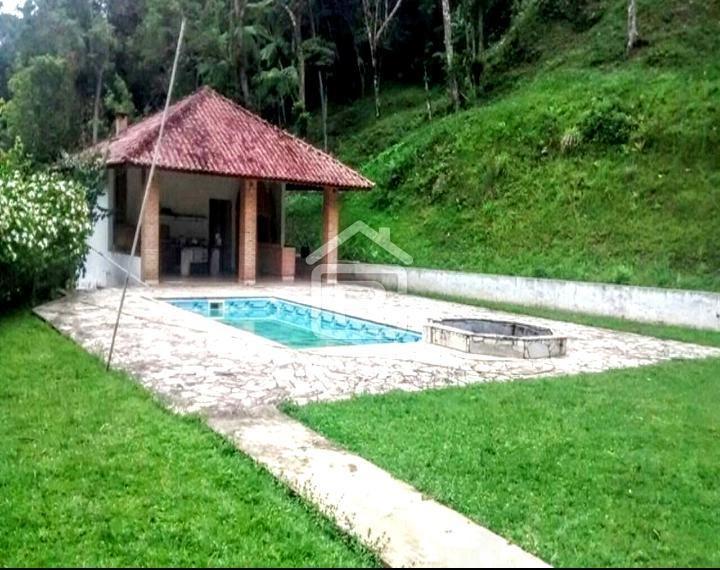sítio em juquitiba com piscina e lago