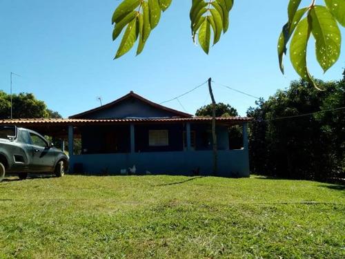 sitio em serranos no sul de minas com 45.300 m2,  uma casa nova com dois quartos,curral , muita água. - 3914