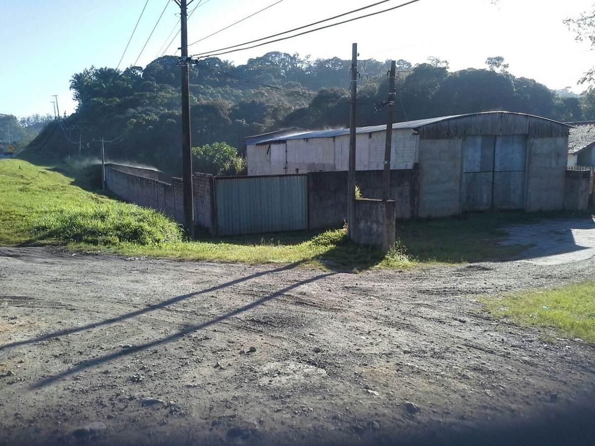 sitio frente para rodovia com galpão ref 1068