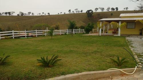 sítio no circuíto das águas , cidade de caxambu , com 35.000 m2 ,bom de água , casa muito boa ,apenas 01 klm de estrada de terra. - 4207