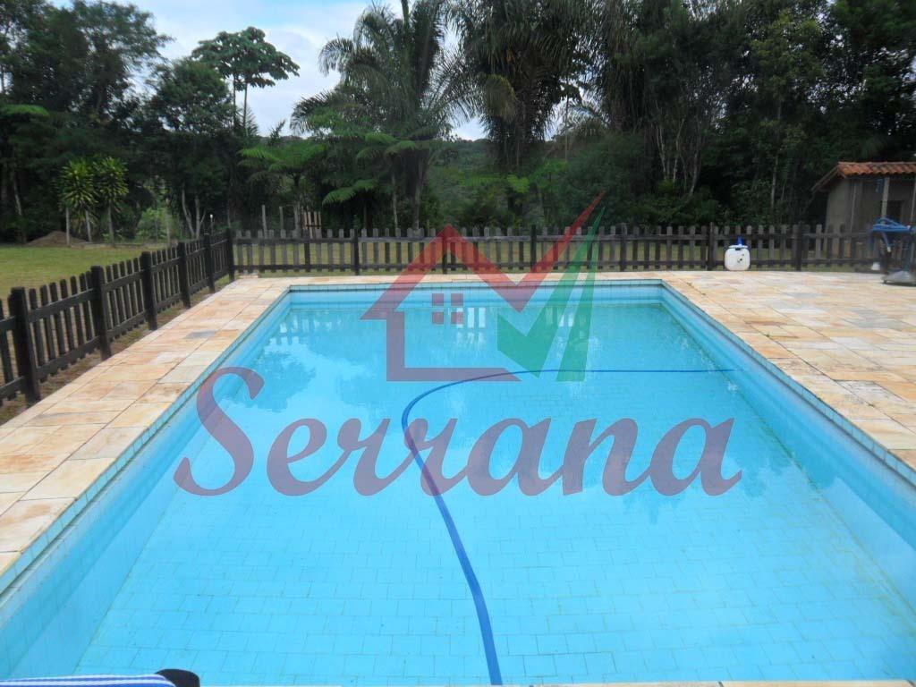 sítio rico em água piscina aquecida ótima localização