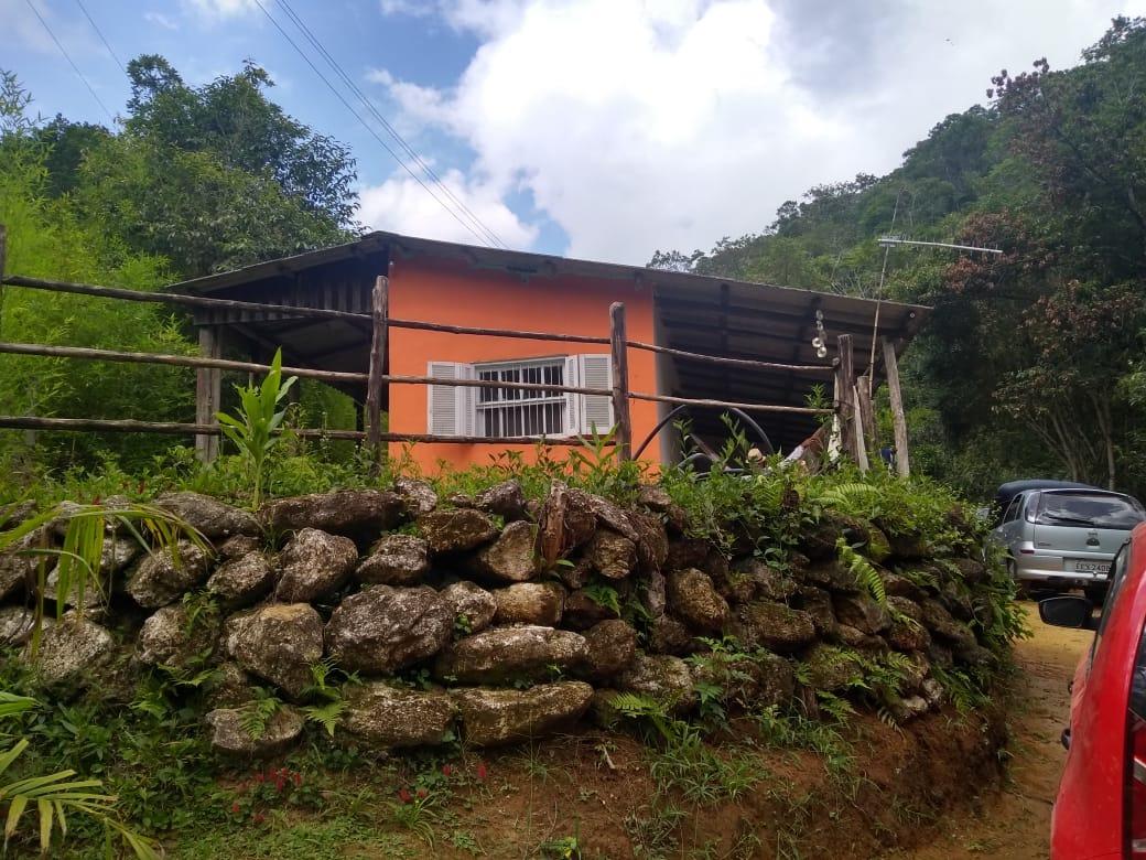 sítio à venda rico em água 30.000 m² casa com 2 quartos