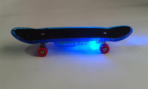 skate de dedo fingerboard com luz  + kit reparo amarelo