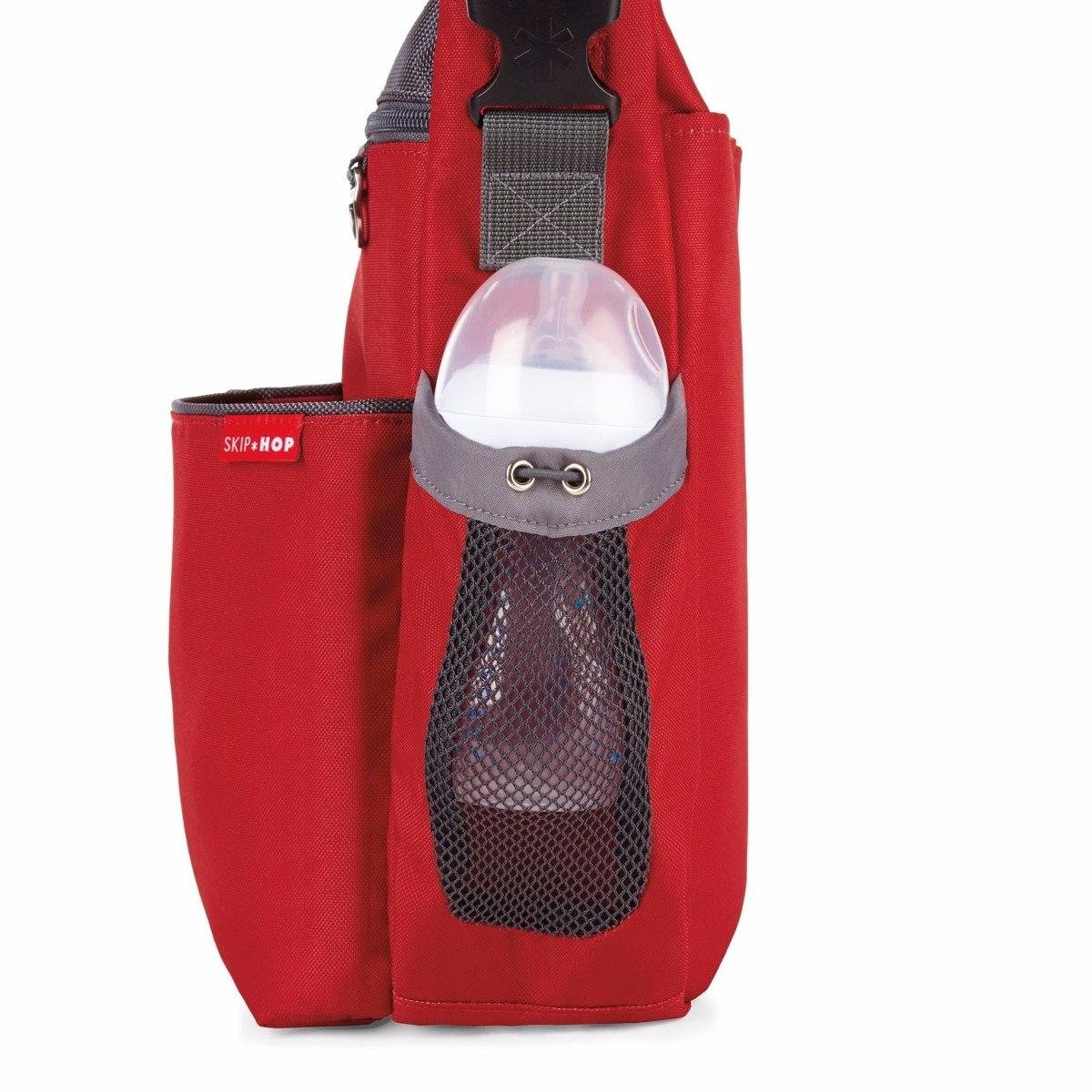 8492c4bc9 skip hop bolsa pañalera bebé con cambiador moderna ropa roja. Cargando zoom.